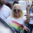 La chanteuse Lady Gaga sort de son appartement à New York le 26 juin 2015.