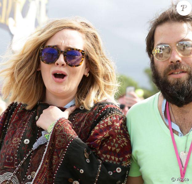 Adele et son compagnon Simon Konecki au Glastonbury Festival, le 27 juin 2015