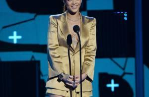 BET Awards 2015 : Rihanna sexy face au triomphant Chris Brown