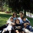 Maud Versini et ses trois enfants - Photo postée sur Twitter, mai 2013