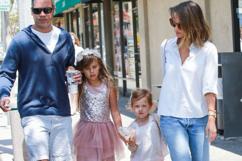 Jessica Alba : Journée gourmande pour la star en famille