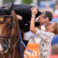 Guillaume Canet sur Sweet Boy d'Alpa finit 6ème dans le prix Laiterie de Montaigu et est félicité par Virginie Coupérie-Eiffel - Longines Paris Eiffel Jumping au Champ-de-Mars à Paris, le 4 juillet 2015.