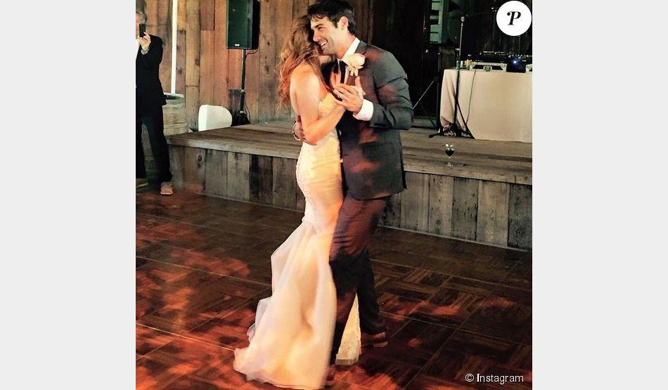 James Wolk s'est marié avec sa fiancé Elizabeth, photo postée sur Instagram au mois de juin 2015