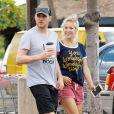 Michael Buble et sa femme Luisana Lopilato se promènent dans les rues de Maui à Hawaii, le 6 janvier 2015