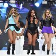 Leigh-Anne Pinnock, Jade Thirlwall, Jesy Nelson et Perrie Edwards du groupe Little Mix sur la scène du Capital FM's Summertime Ball à Londres, le 6 juin 2015