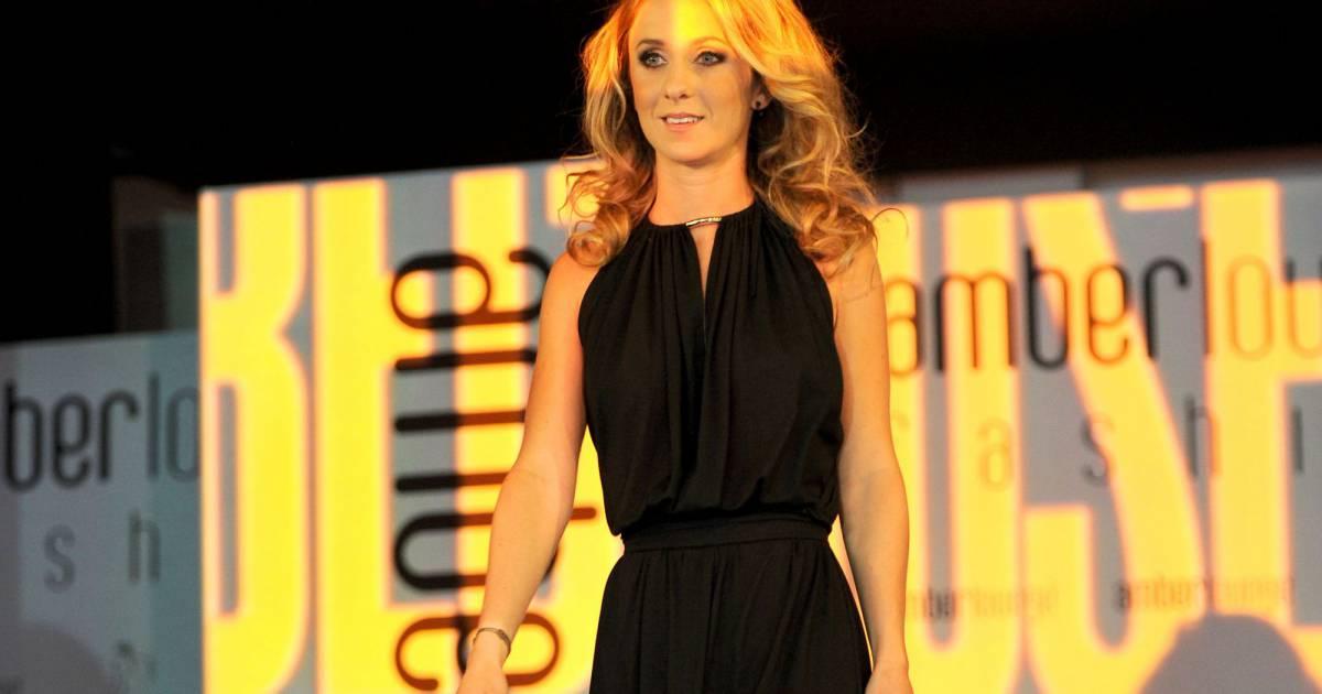 camille marchetti la compagne de jules bianchi d file lors de l 39 amber fashion show and charity. Black Bedroom Furniture Sets. Home Design Ideas