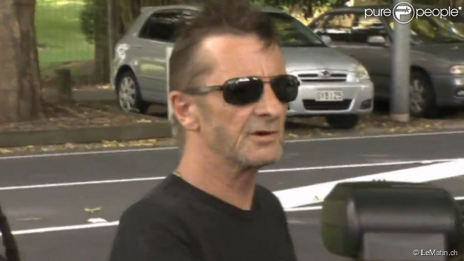 phil rudd ac dc arr t priv d 39 alcool le rockeur a. Black Bedroom Furniture Sets. Home Design Ideas