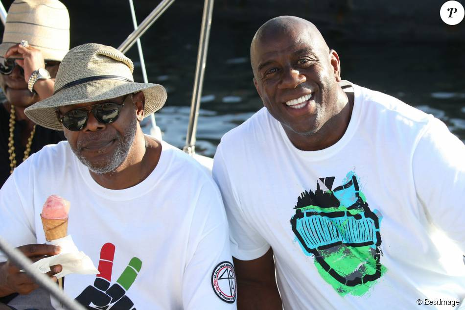 Samuel L. Jackson et  Magic Johnson sur le port de Saint-Tropez, le 19 juillet 2015