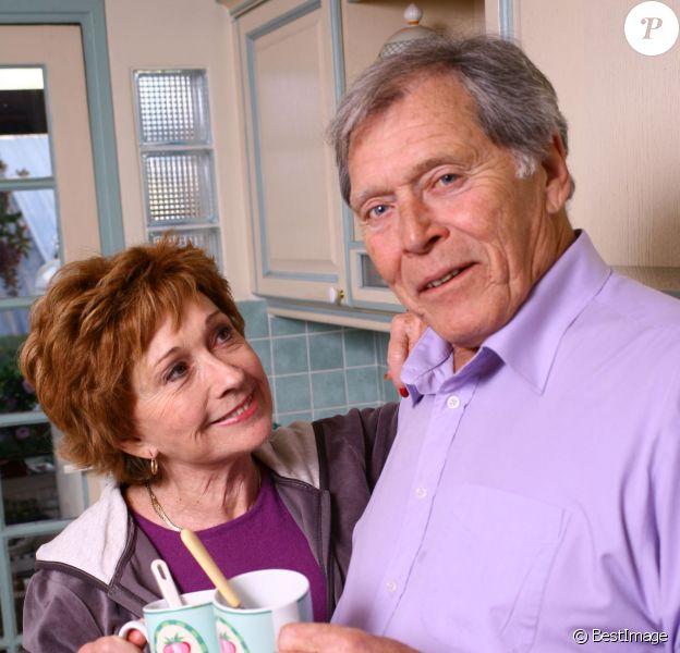 Exclusif - L'actrice Marion Game et son compagnon Jean-Claude, chez elle en 2012.
