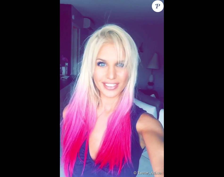 Adixia : Après Paga, elle ose une nouvelle coiffure très colorée !