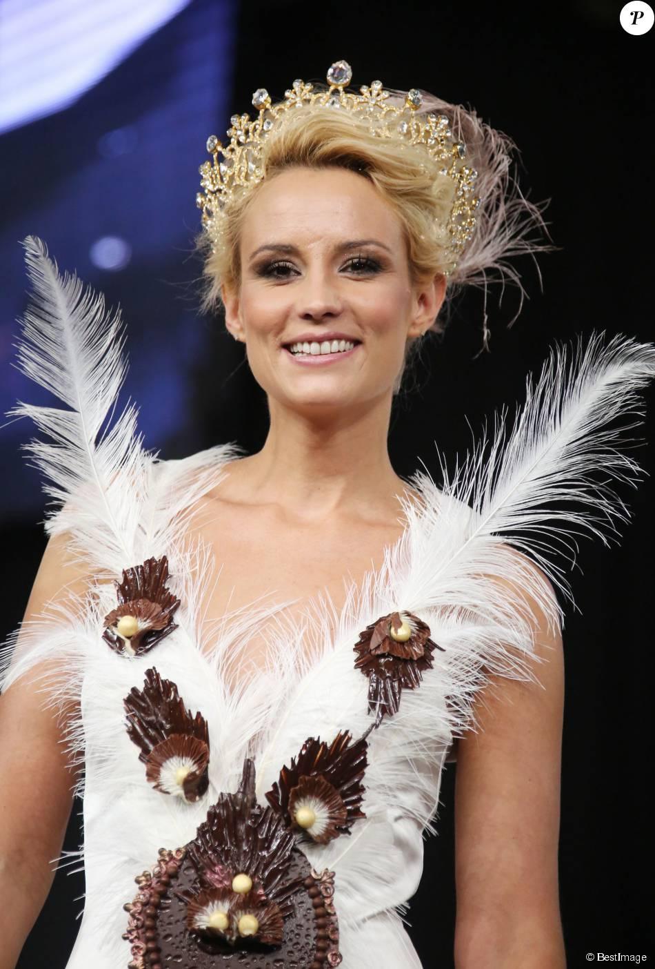 Elodie gossuin d fil du 20e salon du chocolat 2014 la for Salon porte de versailles 2014