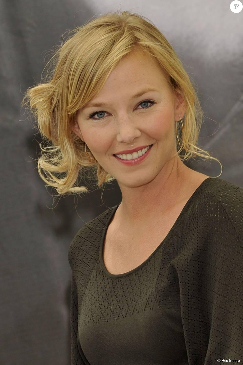 Kelli Gidish de  New York : Unité Spéciale  lors du 52e Festival de la télévision de Monte-Carlo en juin 2012. Mariée le 20 juin 2015, l'actrice est enceinte de son premier enfant.