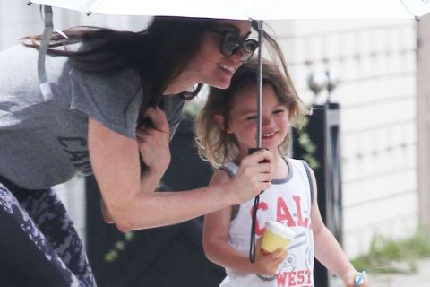 Megan Fox, mère poule : La bombe garde son adorable Noah bien à l'abri !