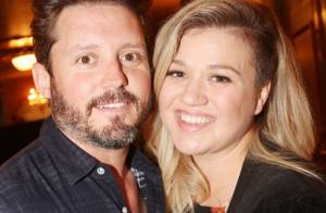 Kelly Clarkson enceinte : Elle craque en plein concert et révèle sa grossesse