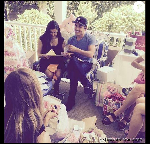 Kevin Zegers et sa femme Jaime lors de sa baby shower. Juin 2015