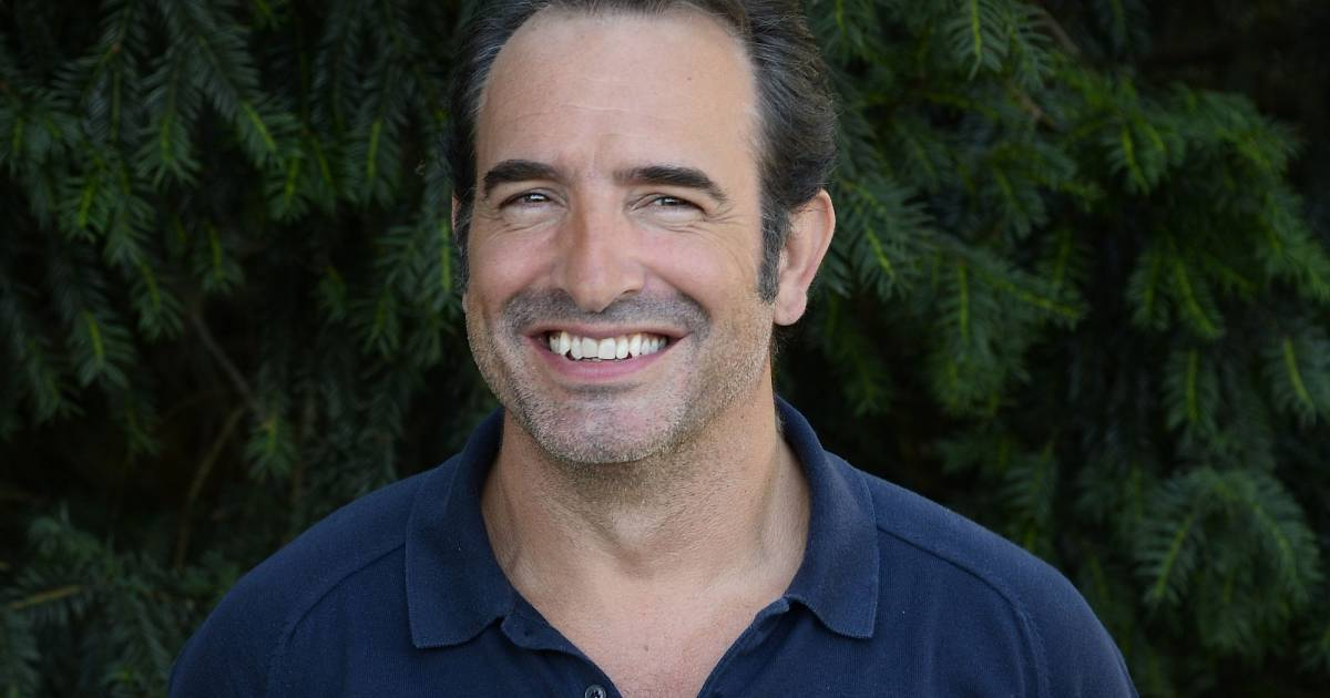 Jean dujardin au photocall du film un une un plus une for Dujardin hugues