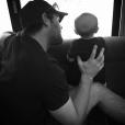 """""""Carrie Underwood a posté une photo de son mari et leur fils sur son compte Instagram."""""""