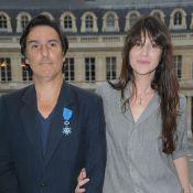 """Yvan Attal voit Charlotte Gainsbourg """"nue tout le temps, même habillée"""""""