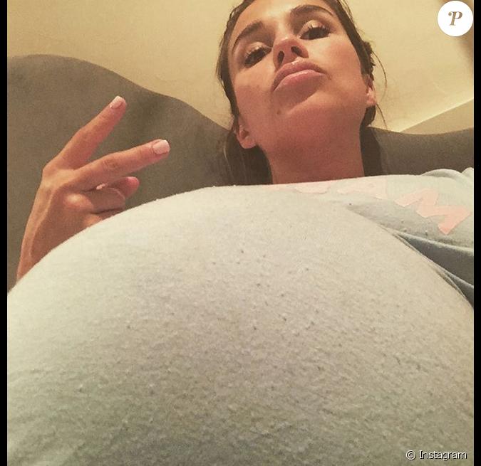 decker ici moins d une semaine avant accouchement a donn 233 naissance le 4