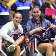 Flavia Pennetta et Roberta Vinci après leur finale de l'US Open remportée par la première à l'USTA Billie Jean King National Tennis Center de Flushing dans le Queens à New York, le 12 septembre 2015