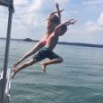 Kate Hudson et son fils Ryder profitent d'une journée bateau / photo postée sur Instagram.