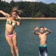 Kate Hudson et son fils Ryder se jettent à l'eau / photo postée sur Instagram.