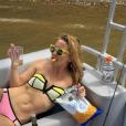 Kate Hudson entretient son corps de rêve à grands renforts de chips et de vin blanc / photo postée sur Instagram.