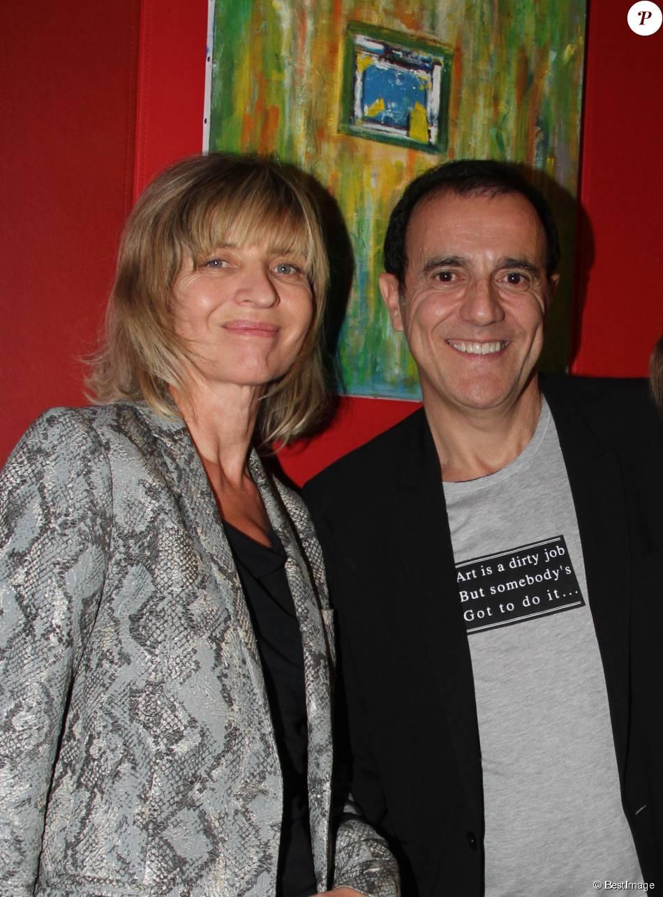 Exclusif thierry beccaro avec sa femme emmanuelle vernissage de l 39 exposition de thierry - Thierry beccaro pauline beccaro ...