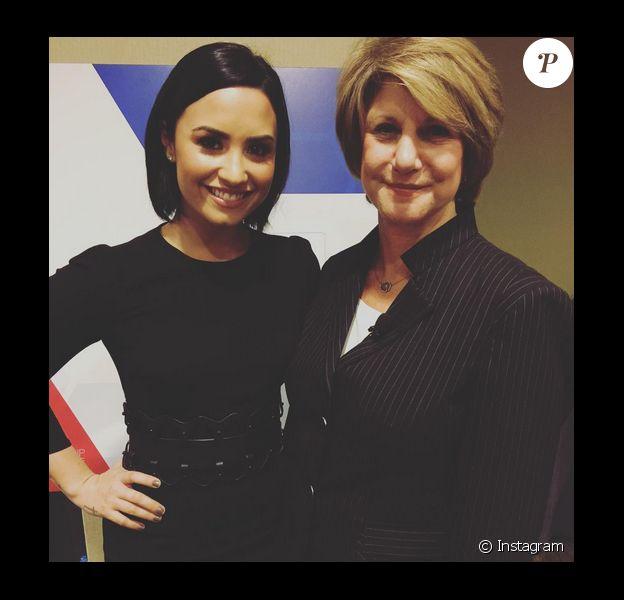 Demi Lovato a rencontré Linda Rosenberg, membre du National Council, à Washington pour parler des troubles de la sante méntale et comment en venir à bout photo postée sur Instagram, octobre 2015.
