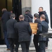 Alexandre Brasseur en deuil et solitaire aux obsèques du fils de Pierre Grimblat