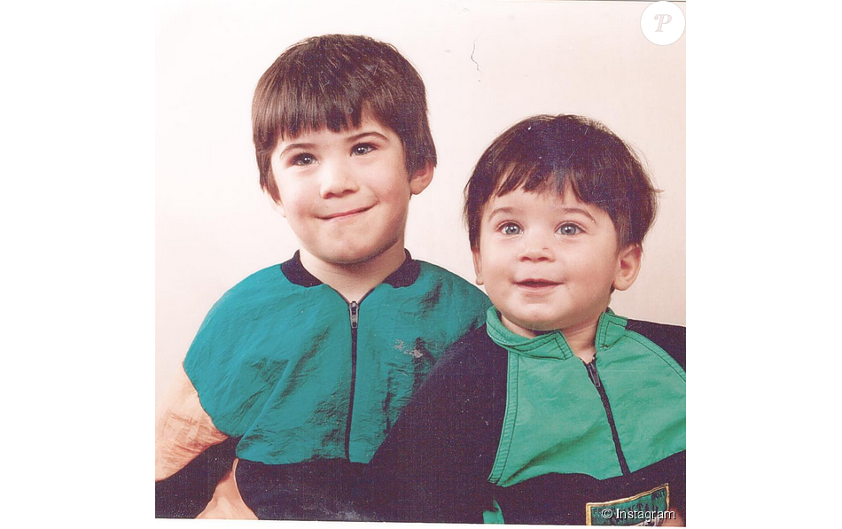 Ali (Secret Story 9) enfant, au côté de son petit frère Joe.