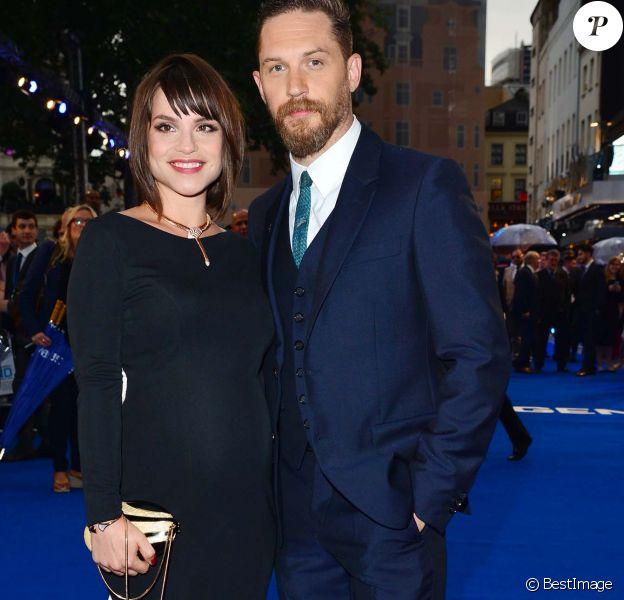 """Tom Hardy et sa femme Charlotte Riley enceinte - Avant-première mondiale du film """"Legend"""" à Londres, le 3 septembre 2015."""
