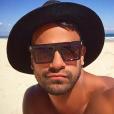 Casey Conway à la plage pose sur Instagram, août 2015