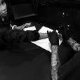 Blac Chyna se fait tatouer la main. Photo publiée le 5 octobre 2015.