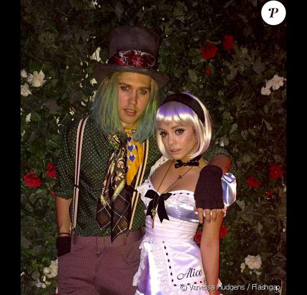 Vanessa Hudgens et son chéri Austin Butler fêtent Halloween chez l'actrice, à Los Angeles. Le 31 octobre 2015.