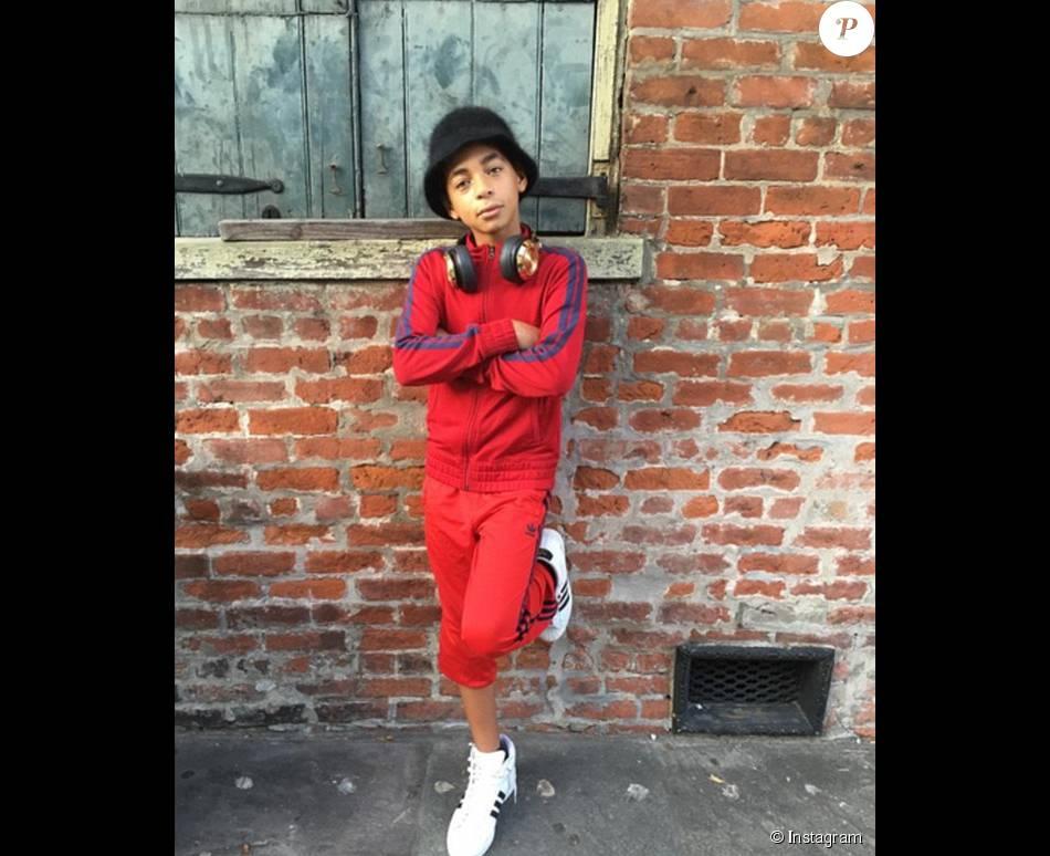 """Solange Knowles a posté une photo de son fils sur son compte Instagram, déguisé pour Halloween. Un internaute l'a qualifié de """"moche"""". La chanteuse est monté au créneau."""