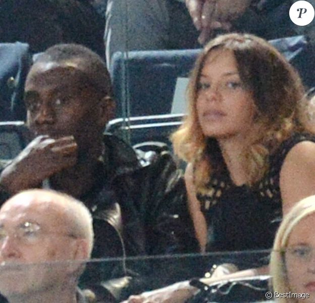 Blaise Matuidi et sa femme Isabelle - People lors de la finale du BNP Paribas masters entre Novak Djokovic et Andy Murray à l'Accor Hotels Arena à Paris le 8 novembre 2015.