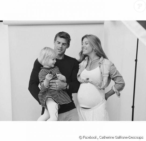 Catherine Galfione-Descoups enceinte, son époux Jean Galfione et leur petite Rose - Photo publiée le 11 novembre 2015