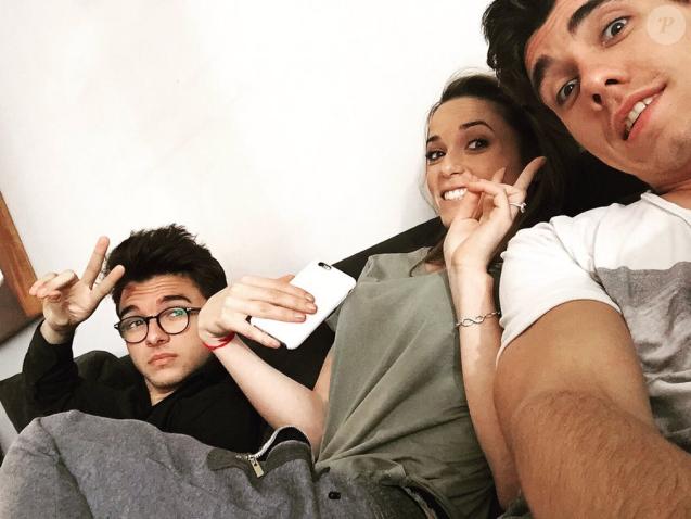 Capucine Anav sur le tournage de la série humoristique qu'elle va produire et dans laquelle elle jouera. Novembre 2015.