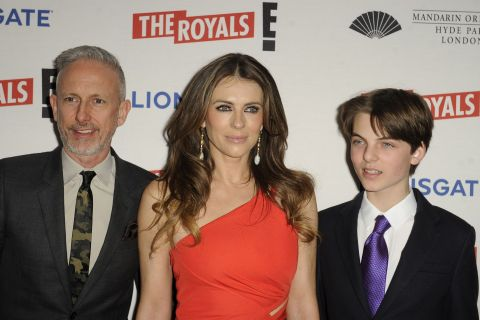 Liz Hurley : Son fils bientôt à ses côtés à l'écran ?
