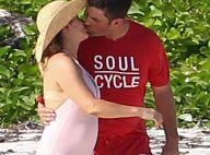 Alyssa Milano en formes, et son mari Dave : Amour et tendres baisers aux Bahamas