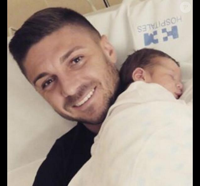 Guilherme Siqueira et son fils Arthur né le 18 novembre 2015.