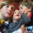 Liv Tyler a publié une photo de ses fils Milo et Sailor ainsi que de Gray, le fils de son fiancé, sur son compte Instagram, novembre 2015.