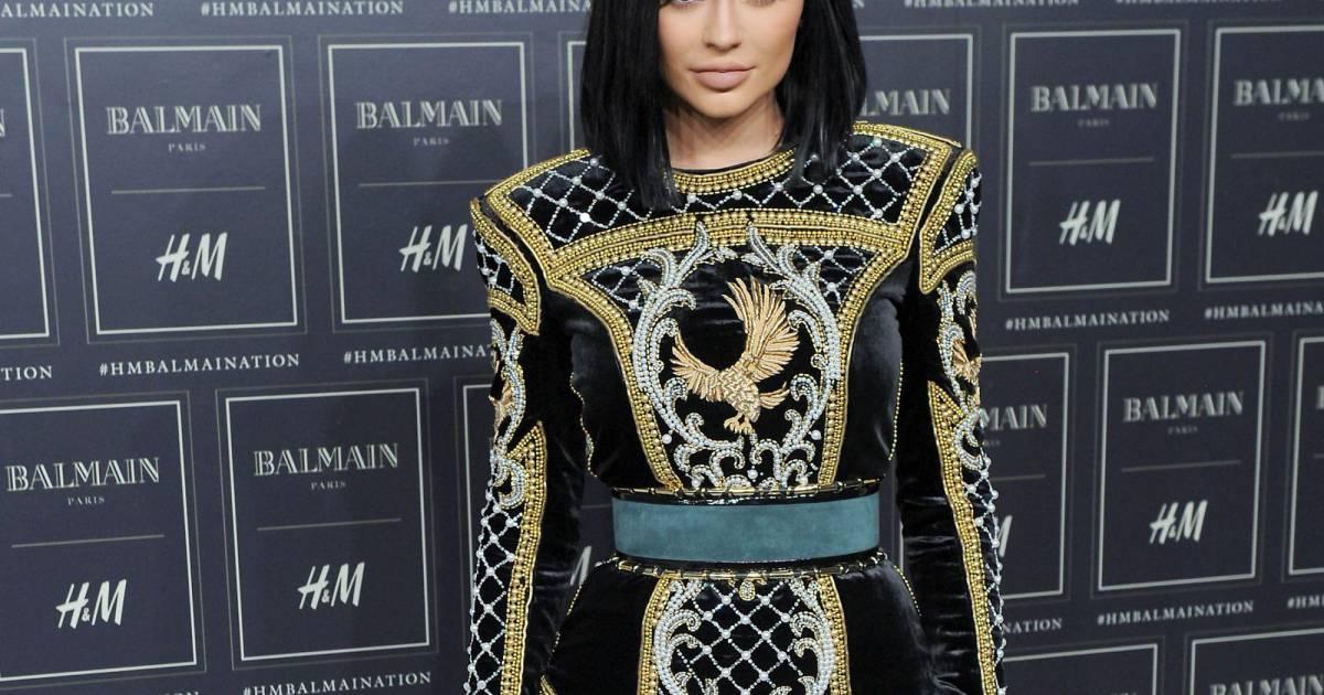 pre order authorized site buy Kylie Jenner - Défilé de mode Balmain x H&M au 23 Wall ...