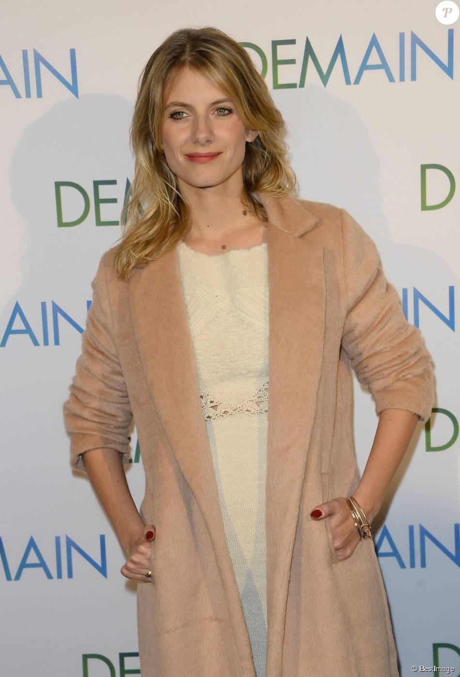 """Mélanie Laurent - Avant première du film """"Demain"""" au cinéma UGC Normandie à Paris, le 1er décembre 2015."""