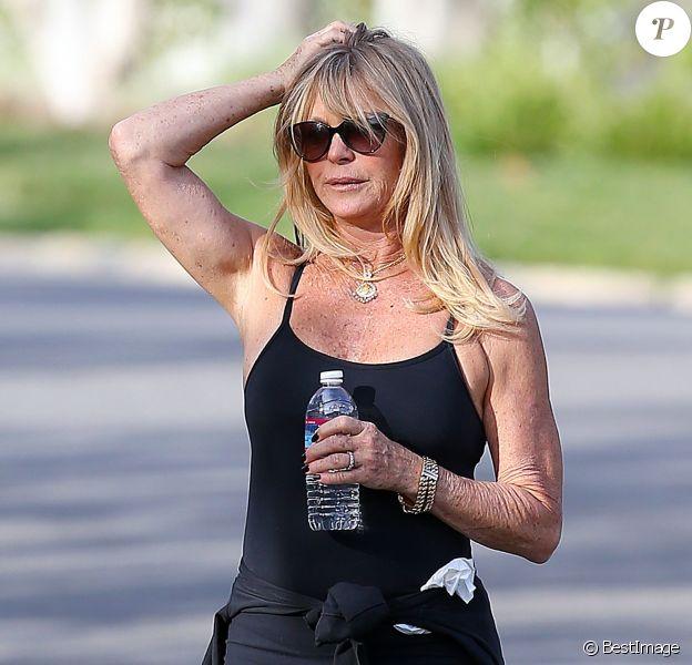 Exclusif - Goldie Hawn fait son jogging à Brentwood le 5 décembre 2015.