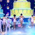 Les cinq finalistes défilent, lors de l'élection Miss France 2016 le samedi 19 décembre 2015 sur TF1