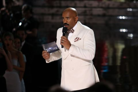 Miss Univers 2015 : Piteuses excuses de Steve Harvey face au choc de la Colombie