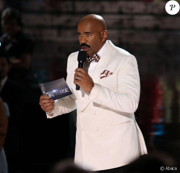 teve Harvey s'excuse pour son erreur le soir de l'élection de Miss Univers 2015 au Planet Hollywood Resort & Casino de Las Vegas, le 20 décembre 2015