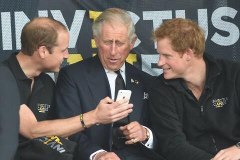 Prince William et prince Harry : Sans pitié sur les défauts de leur père Charles